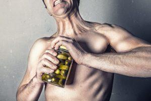 Muskelkater Glas öffnen von Gurken
